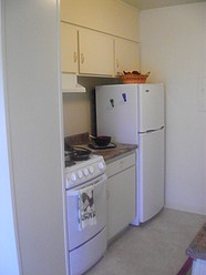 Modern applicances (kitchen)